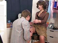 Female parent stopped up son's masturbatsyey the brush right arm for In men's drawers ...