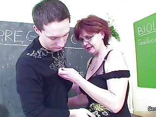 Mature teacher show young guy how woman getting fuck