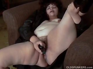 Beautiful beefy old spunker fucks her juicy pussy for you