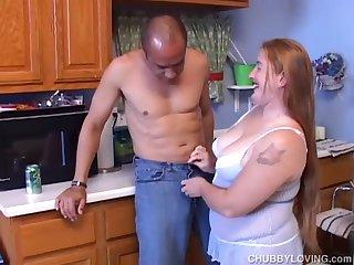 Super cute chubby redhead loving a fuck and a facial
