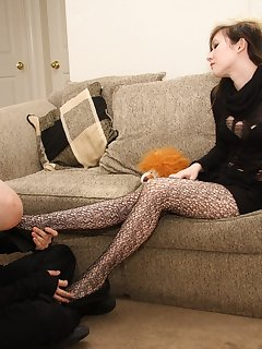 <!–-IMAGE_COUNT-–> of Bubble gets her heels licked clean and sweaty stockings worshipped